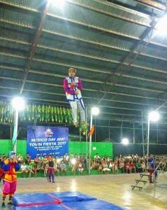 Acrobatic Show at Municipal Gymnasium (5)