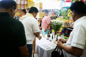 Grand opening of Pandayan Bookstore Mexico Branch (12)